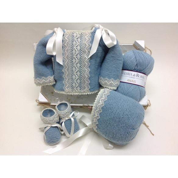 Conjunto lana azul empolvado con puntilla de bolillos