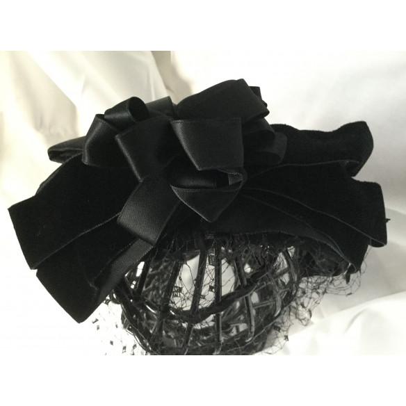 Tocado-diadema negro tapafeas