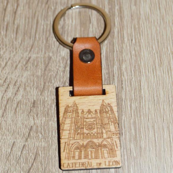 Llavero cuero y madera motivo Catedral